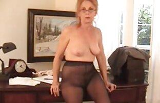 ¡Stacy se enfrenta porno español latino hd a cuatro chicos! ¡Mmm!