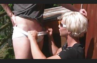 Pelirroja Amy videospornolatino luchando con una rubia enorme