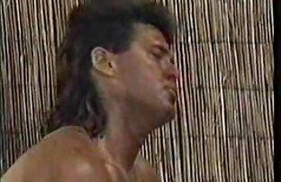 Mamá enseña a la pelirroja peluda porno gratis latino de grandes tetas a follar