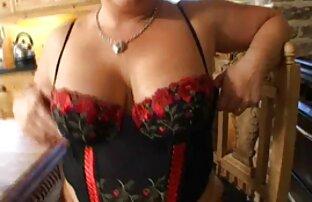 Morena de tetas desarrollada en una mamada en el bosque pornohub latino
